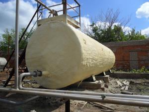Фото напыления ППУ промышленной ёмкости Химтраст
